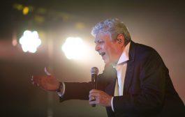 כ-2,000 צופים במופע של אנריקו מסיאס באשקלון