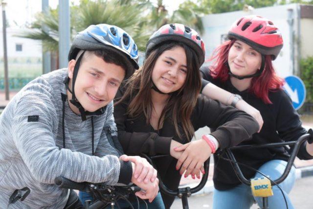 תומר גלאם יחד עם עיריית אשקלון יוצאים בקמפיין להסברת התקנות החדשות בנושא רכיבה בטוחה על אופניים חשמליים