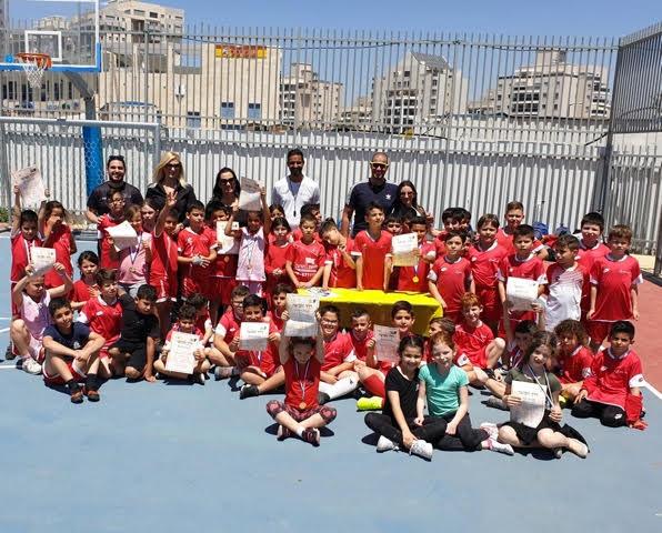 שתי מדליות הוענקו למשתתפות החוג בכדורסל בניהולו של ניר אסמלם