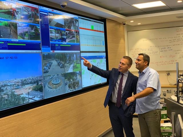 השר גלעד ארדן בשדרות: נבחן הקמת תחנת משטרה חדשה וממוגנת