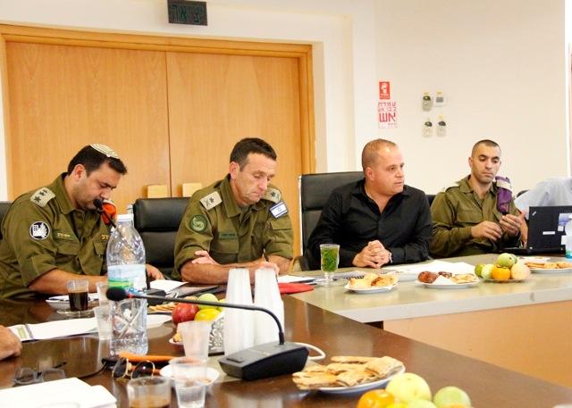 מפקד פיקוד דרום בפגישת עבודה עם ראש העיר