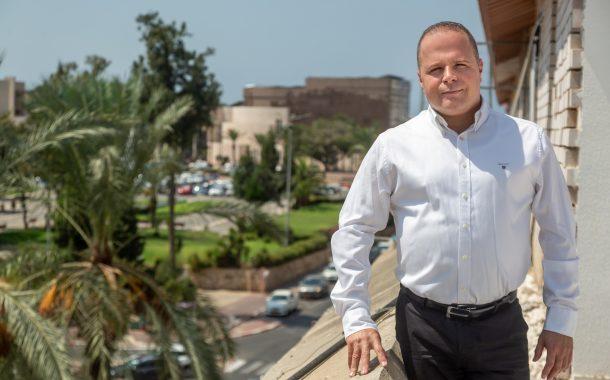 תומר גלאם עולה להתקפה - ראיון חגיגי עם ראש העיר